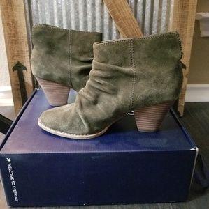 Splendid ankle bootie